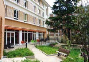Photo La Maison Du Grand Cedre, maison de retraite privée associative ADEF RESIDENCES, Ehpad à Arcueil 94