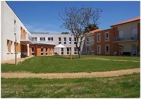 Accueil temporaire maison retraite du puy de d me 63 for Accueil temporaire en maison de retraite
