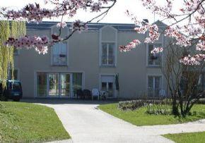 Accueil Alzheimer Maison Retraite A La Chapelle La Reine 77