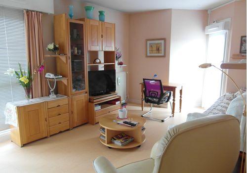 foyer logement residence victor collet deuil la barre. Black Bedroom Furniture Sets. Home Design Ideas
