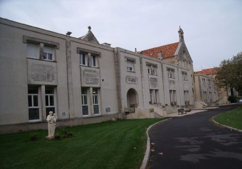 Foyer Travailleur Salon De Provence : Maisons de retraite dans les département s