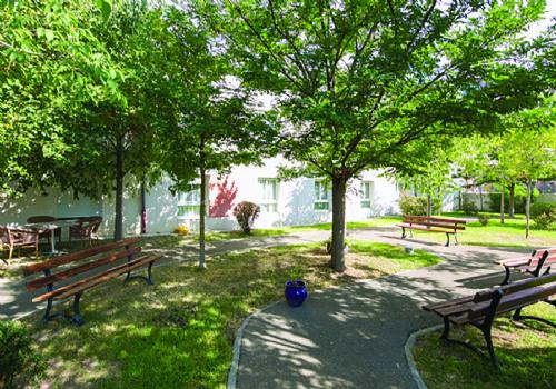 Foyer Gaubert Salon De Provence : Ehpad residence verte prairie à salon de provence
