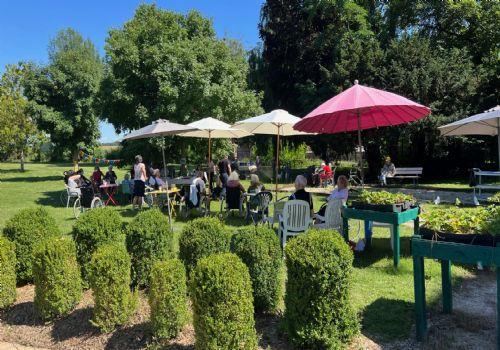 maison de retraite chateau landon next with maison de retraite chateau landon latest vente. Black Bedroom Furniture Sets. Home Design Ideas
