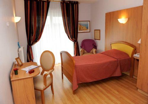 maison de nancy amazing maison de naissance un nid pour natre nancy with maison de nancy. Black Bedroom Furniture Sets. Home Design Ideas