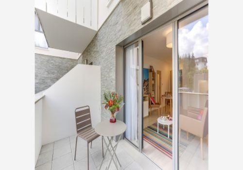 la girandiere bayonne r sidence services bayonne. Black Bedroom Furniture Sets. Home Design Ideas